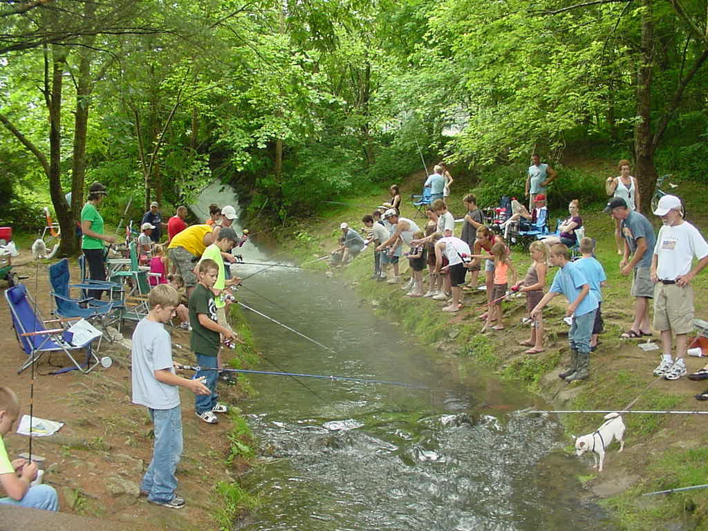 Minnesota kids free fishing events take a kid fishing for Kids fishing net